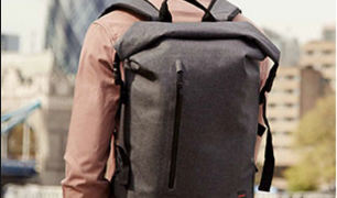 How to wear backpacks